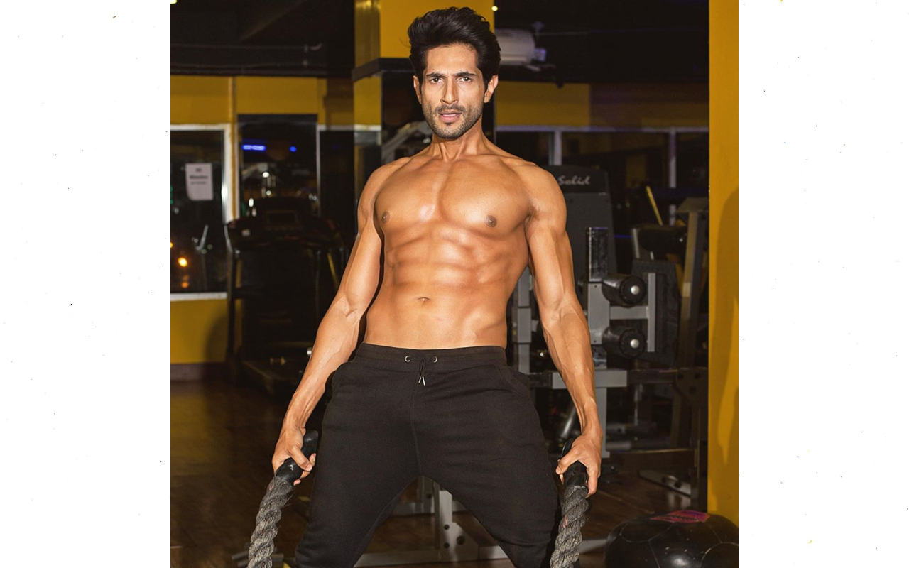 bilal ashraf shirtless pictures are setting fire to the internet