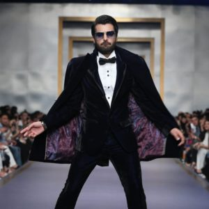Asad Siddiqui Showbiz A-Listers Walked Ramp And Stole The Limelight At Fashion Pakistan Week (10)