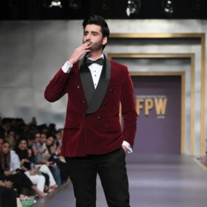 Agha Ali Showbiz A-Listers Walked Ramp And Stole The Limelight At Fashion Pakistan Week (13)