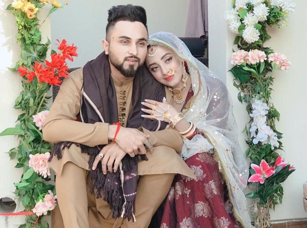 Actress Sanam Chaudhry Gets Married To Singer Somee Chohan Cover